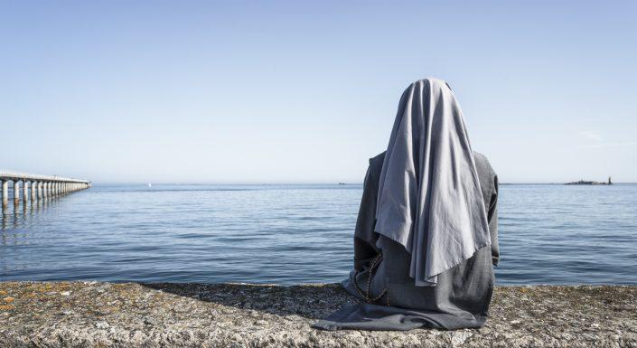 bretagne-soeur-religieuse-mer-horizon