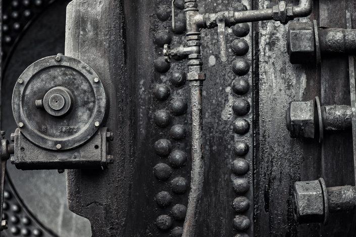 canal-autoclave-detail-écrous