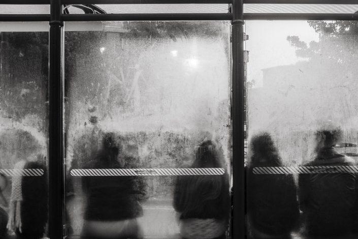 tram-aubette-brouillard-noir-et-blanc