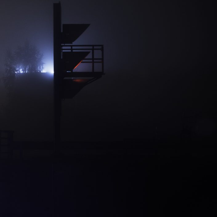 buda-pont-feu-de-signalisation-nuit